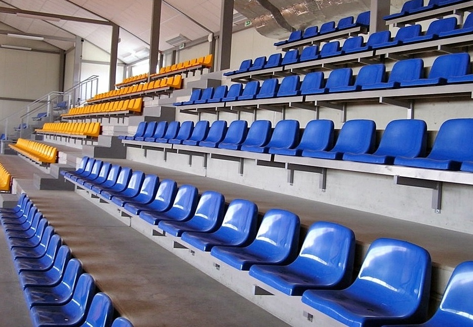 sedačky na stadiony prostar 6