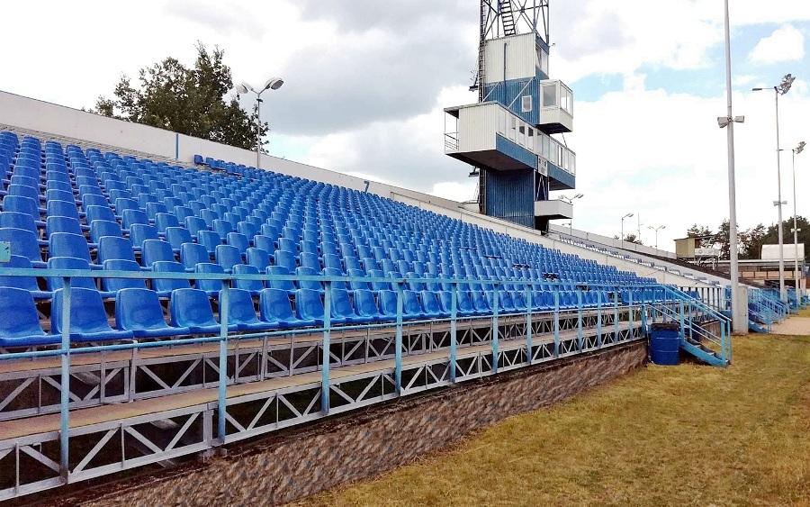 sedačky pro tribuny 1