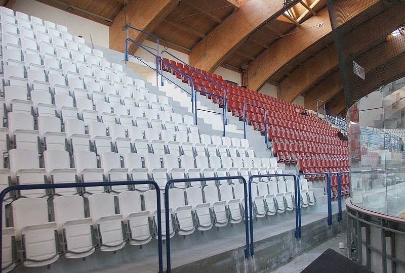 sedačky pro stadiony se sklopným sedadlem prostar výrobce 8