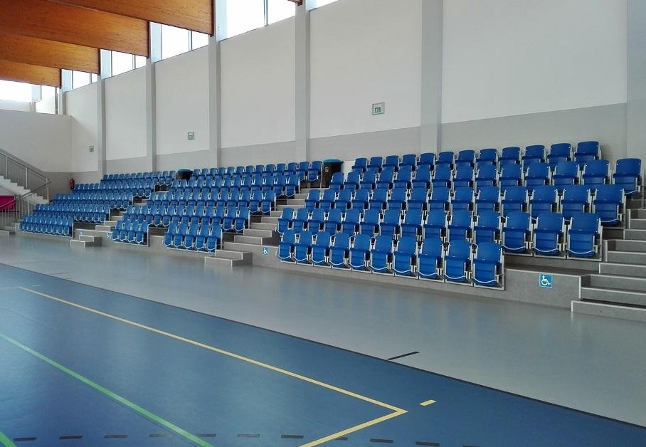 sedačky pro stadiony se sklopným sedadlem prostar 2