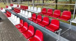 sedačky na štadióny 210716